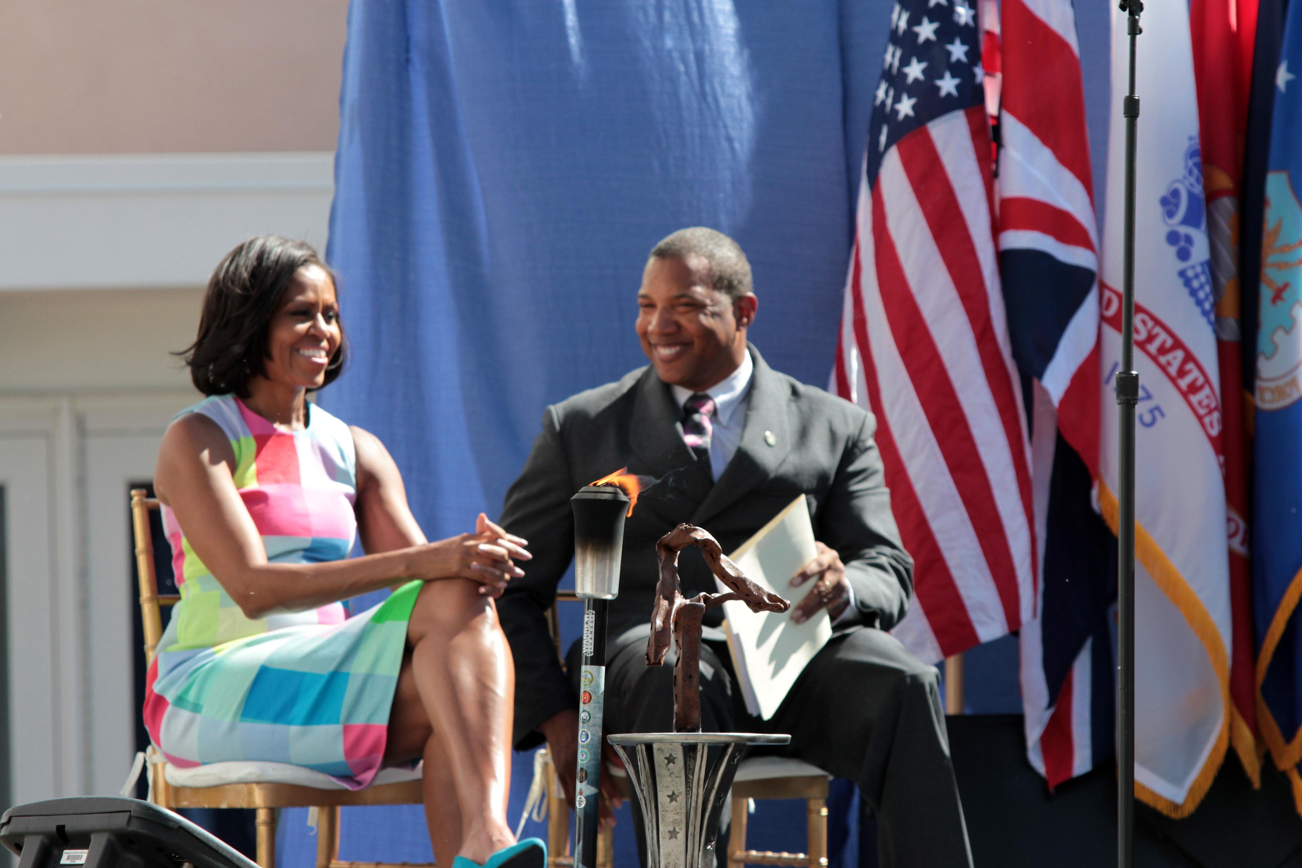 2007-Michelle-Obama-John-Register-2